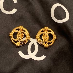 Stunning Vintage Chanel Clip Earrings